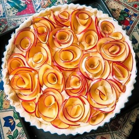 apples in the tart